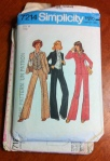 I just can't resist these 70s ladies' suits. This one has an ascot tie pattern included. Awesome.