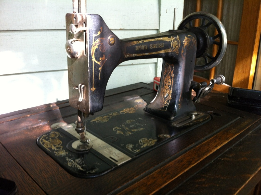 National Sewing Machine Company TanitIsis Sews Amazing National Sewing Machine Company History