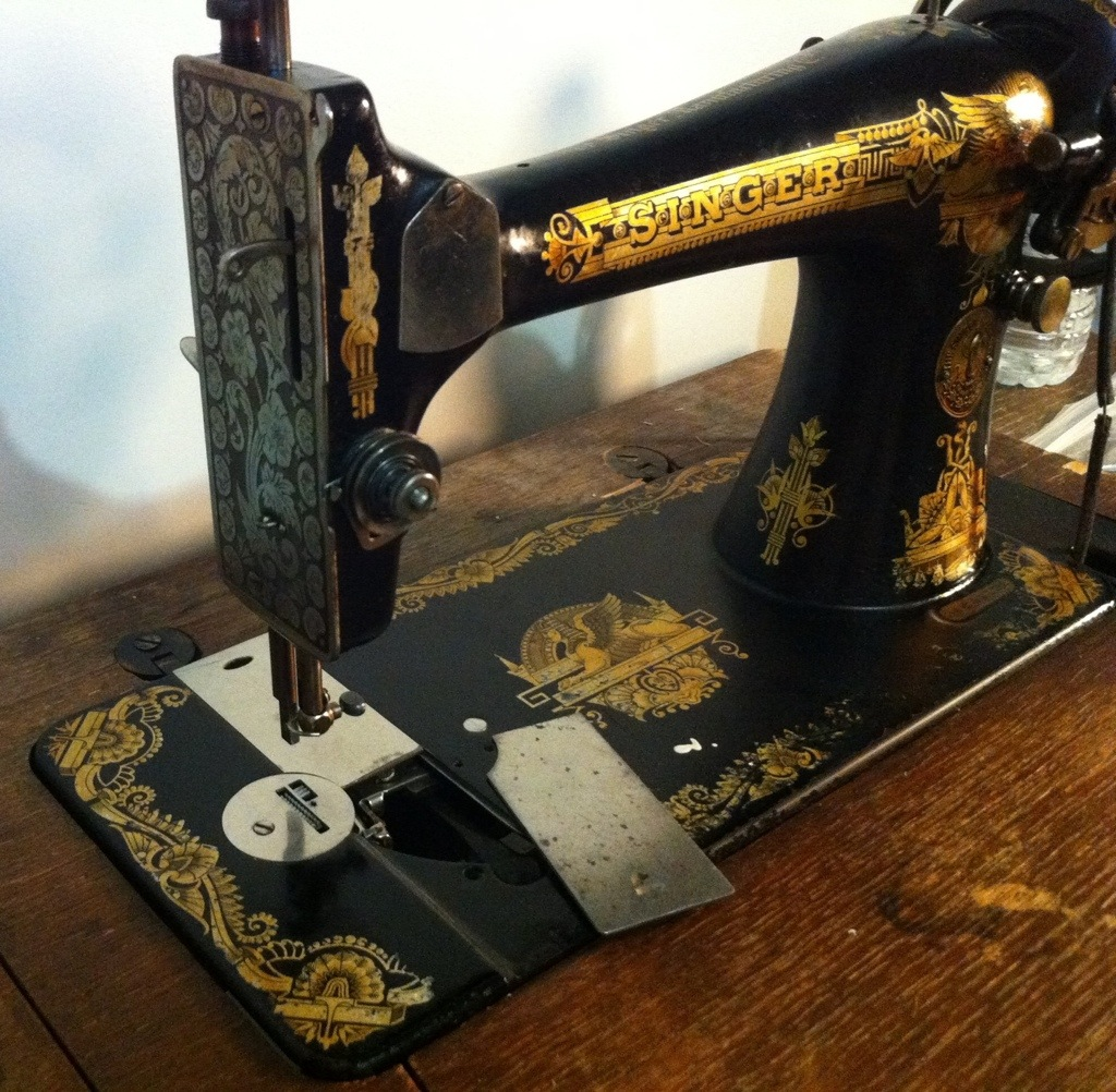 Dating a singer sewing machine 66 16 10