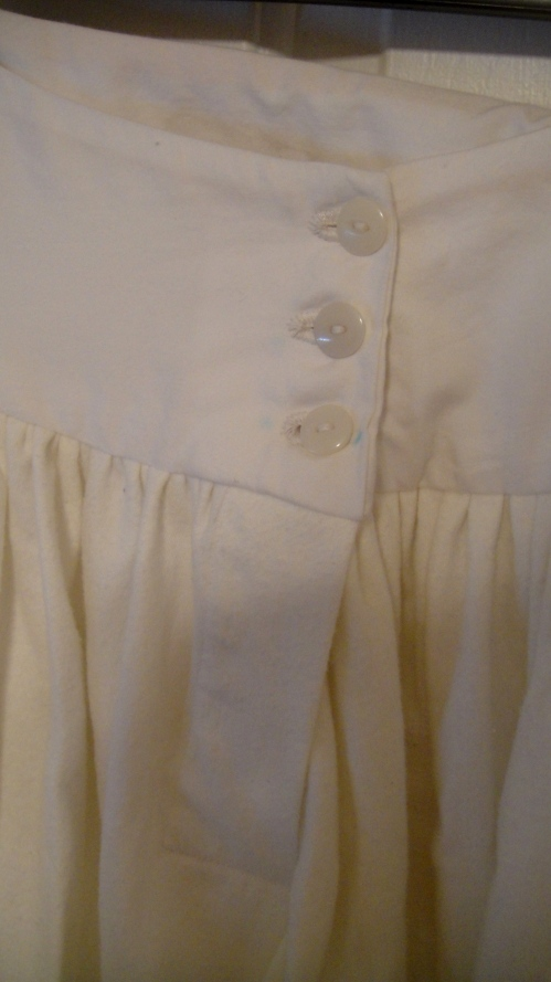 Buttons & placket